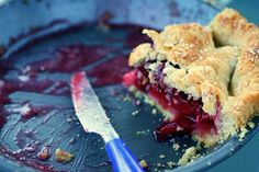 Whoever said you can't make a good cherry pie with sweet cherries was lying. Sure, I love a sour or tart cherry pie as much as the next cherry-lover, but when the Greenmarket only has the swe… Tart Cherry Pies, Sweet Cherry Pie, Sour Cherry, Pie Dough Recipe, Pie Crust Recipes, Pie Crusts, Pie Dessert, Dessert Recipes, Perfect Pie Crust