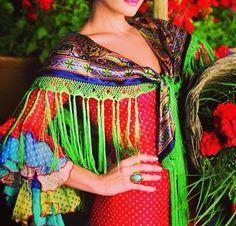 Mantoncillo traje de flamenca (María-jose Suárez )❤ Feria de abril, Sevilla 2013
