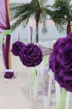 Pomanders line this stylish Suncoast Weddings aisle