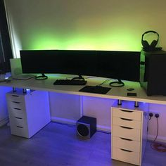 "3,024 curtidas, 25 comentários - |Gaming Setups & PC Builds| (@optimumsetups) no Instagram: ""Sent in by @wedgie118 What do you guys think? ——————————————— Tag a friend who likes such content✌…"""