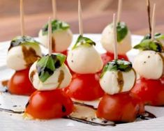 Mini tomates mozza et son vinaigre balsamique : http://www.fourchette-et-bikini.fr/recettes/recettes-minceur/mini-tomates-mozza-et-son-vinaigre-balsamique.html