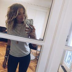 Love her hair. Caroline Receveur Hair, Cute Hair Colors, Mane Event, Shoulder Length Hair, Cut And Color, Ombre Hair, Hair Inspo, Pretty Hairstyles, Hair Trends