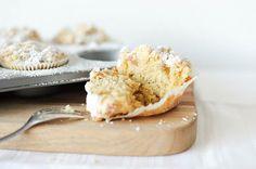 STILCAFE | BANANEN-RHABARBER-MUFFINS. Ice Cream, Desserts, Food, Rhubarb Muffins, No Churn Ice Cream, Tailgate Desserts, Deserts, Icecream Craft, Essen