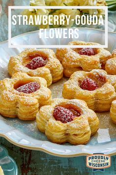 These cheesy appetizers aren't just pretty-they're also simple to make (and they taste AMAZING). Cheers to spring! Just Desserts, Delicious Desserts, Yummy Food, Appetizer Recipes, Dessert Recipes, Puff Pastry Recipes, Coffee Cake, Pastries, Yummy Treats