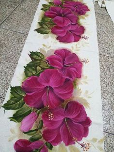 Saree Painting, Lotus Painting, Fabric Painting, Fabric Art, Fabric Paint Designs, Hand Painted Dress, Pallet Painting, Chinese Painting, Crochet Table Runner