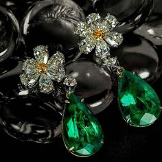 Emerald with diamonds