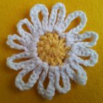 Large Daisy UK Treble Crochet Daisy, Crochet Flowers, Crochet Bunting Free Pattern, Chrochet, Crow, Embroidery, Retro, Tricot, Stuff Stuff