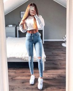 Outfits chill outfits, spring outfits, cute date outfits, fall fashion outf Cute Date Outfits, Crop Top Outfits, Cute Casual Outfits, Simple Outfits, Stylish Outfits, Spring Outfits, Spring Wear, Blue Jean Outfits, Outfits With Hoodies