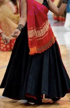 Magestik Medallion Yellow Full Flair Chaniya Choli Set With Attractive Design - loseweight Lehenga Choli Designs, Ghagra Choli, Blouse Lehenga, Robe Anarkali, Chaniya Choli Designer, Sari Design, Choli Blouse Design, Saree Blouse Designs, Garba Dress
