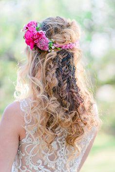 922f5823f827 19 fascinujúcich obrázkov z nástenky Ten správny svadobný outfit ...