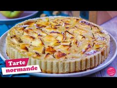 🍏 TARTE NORMANDE AUX POMMES - RECETTE FACILE 🍏 - YouTube Blog Patisserie, Muffin, Cake, Breakfast, Flan, Fruit Cobbler, Asparagus, Drinks, Food Cakes