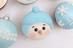Snowman Cupcake Tutorial and Christmas cupcakes - Cake by Starry Delights