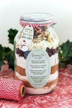 33 Best Recipes in A Jar Best Recipes in A Jar Brownie Mix In A Jar DIY Mason Jar Gifts Cookie Recipes and Desserts Canning Ideas Overnight Oatmeal How To Make Mason Jar Salad Healthy Recipes and Printable Labels diyjoy Mason Jar Christmas Gifts, Diy Holiday Gifts, Mason Jar Gifts, Mason Jar Diy, Gift Jars, Handmade Christmas, Jar Food Gifts, Cheap Christmas, Christmas Ideas