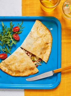 First Pasties, now Ham and Mushroom Pizza Calzone! A perfect slimming recipe, if you're counting calories or on a diet plan like Weight Watchers or similar Low Calorie Recipes, Healthy Recipes, Savoury Recipes, Lunch Recipes, Healthy Foods, Free Recipes, Dinner Recipes, Cooking Recipes, Meat Feast Pizza