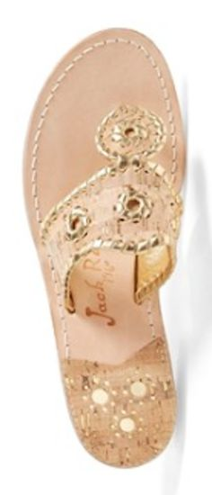 pretty #gold sandals http://rstyle.me/n/menczr9te