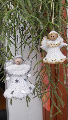 Schöne Weihnachts-Deko kann man nie genug haben. << Hol Dir die gratis Anleitung für Weihnachts-Engel // Weihnachts-Deko + leg jetzt los mit der Häkelnadel. Christmas Decorations, Christmas Ornaments, Holiday Decor, Diy And Crafts, Angel Wings, Amigurumi, Navidad, Projects To Try, Tutorials