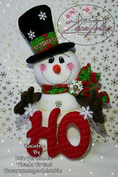 Nieve Mary Christmas, Christmas Fabric, Christmas Snowman, Christmas Wreaths, Christmas Decorations, Christmas Ornaments, Christmas Things, Halloween Wood Crafts, Halloween Crafts For Toddlers