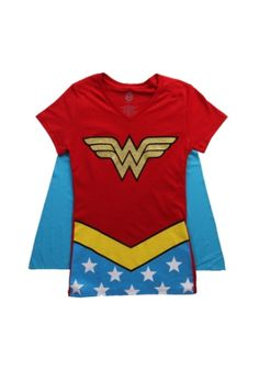 Keep your signature look while staying comfortable with this Womens Wonder Woman V-Neck Cape T-Shirt. This easy costume is great for Wonder Woman fans too!