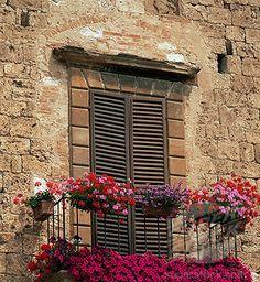 Flower covered balcony Balcony Design, Hotel Inspiration, Inspiration, Architectural Inspiration, Curb Appeal, Amazing Architecture, Master Bedrooms Decor, Garden Art, Yard Decor