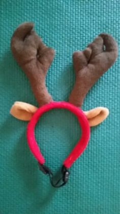 Reindeer antlers from Luxury-dog-gifts.myshopify.com.