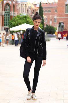 Blanca Padilla, modelo. Chaqueta de Mango, pantalón de H&M.