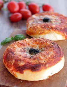Ricetta con e senza Bimby delle PIZZETTE CATANESI. Soffici rustici siciliani ideali per buffet salati e feste. Rosticceria siciliana fatta in casa
