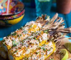 This Mexican street food will become your new favourite way to eat good ol' corn on the cob. Mexican Food Recipes, New Recipes, Favorite Recipes, Side Dish Recipes, Side Dishes, Mexican Street Food, Food Crush, Corn On Cob, Roasted Tomatoes