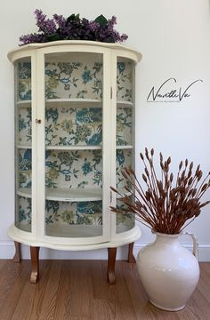 Painted Curio Cabinets, Antique Curio Cabinet, Painted Hutch, Painted Furniture, Curio Cabinet Decor, Repurposed China Cabinet, Dining Cabinet, French Country Dining Room, French Country Crafts