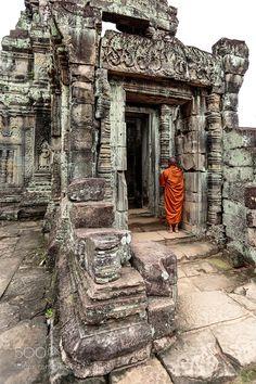"""socialfoto: """" Monk at Preah Khan Temple by JosePascualPastor #SocialFoto """""""