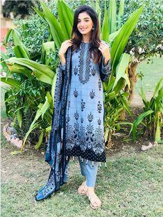 Pakistani Actress Photographs PENGUIN MOVIE WORKING STILLS PHOTO GALLERY    FILMIBEAT.COM  #EDUCRATSWEB 2020-06-20 filmibeat.com https://www.filmibeat.com/ph-big/2020/06/penguin_1592547717140.jpg