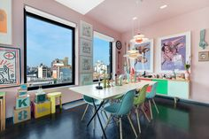 10 Modern Rooms with Vibrant Pops of Color