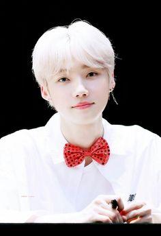 Kpop, New Boyz, Weird Names, Yugyeom, Asian Boys, White Hair, Favorite Person, K Idols, Good Skin