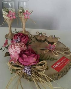 Rustik #kütük #nişan tepsisi #kütük #kadeh #süsevi organizasyonu #susevi_organizasyon - susevi_organizasyon Wood Crafts, Diy And Crafts, Thali Decoration Ideas, Marriage Decoration, Crafts With Pictures, Wedding Glasses, Stencil Patterns, Gift Hampers, Wooden Decor