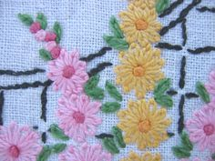 Lazy Daisy is the common name for the detached chain stitch, which is a looped stitch that can be worked alone or in groups. Simple Embroidery, Japanese Embroidery, Silk Ribbon Embroidery, Cross Stitch Embroidery, Embroidery Patterns, Hand Embroidery, Machine Embroidery, Crazy Quilt Stitches, Lazy Daisy Stitch