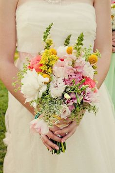 Bouquet of wildflowers, with lavender Wedding Flower Arrangements, Floral Arrangements, Floral Wedding, Wedding Flowers, Elegant Wedding, Bouquet Wedding, Wedding Cake, Spring Bouquet, Bride Bouquets