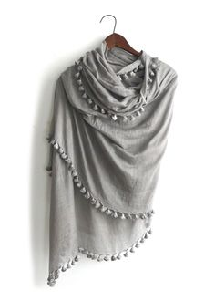 I sorta kinda need this scarf haha Look Fashion, Winter Fashion, Womens Fashion, Sweater Weather, Quoi Porter, Scarf Styles, A Boutique, My Wardrobe, What To Wear