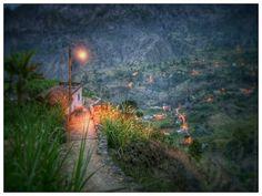 Nome: Iluminação pública   Localização: Cabo Verde, Santo Antão,  Séria: Natureza   Comentários: Entre Paúl e a Cova de Corda     Nom  : ...