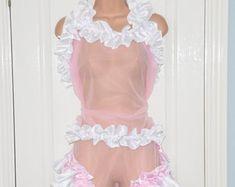 Etsy :: Dein Marktplatz, um Handgemachtes zu kaufen und verkaufen. Pullover Shirt, Girly, Legs Open, All In One, Lingerie, Two Piece Skirt Set, Menswear, Feminine, Female