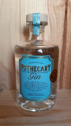 ⭐️⭐️⭐️⭐️⭐️ Drink Bottles, Perfume Bottles, Copper Pot Still, Gins Of The World, London Dry, Bottle Shop, In Vino Veritas, Gin And Tonic