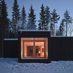 A black timber-clad cabin is set on a horseshoe-shaped island on Lake Vaskievsi near Virrat, Finland; this is Four-Cornered Villa an architecturally significant structure designed by Villa Hara and Anu Puustinen of Avanto Architects. Minimalist Bedroom, Minimalist Decor, Minimalist Interior, Minimalist Makeup, Minimalist Living, Modern Minimalist, Cades, Architecture Design, Cottage Style Decor
