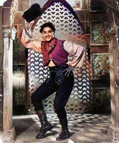 Ashok Kumar, Kishore Kumar, Romantic Mood, Vintage Bollywood, Film Industry, Bollywood Fashion, Punk, Singer, Actors