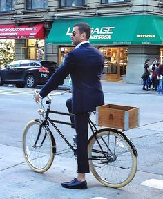 Cool bike, stylish outfit, great posture. Perfection! #Bicycle #Bike #NewYork…
