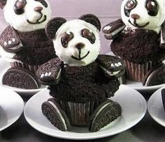 Funny pictures about Oreo Panda Cupcakes. Oh, and cool pics about Oreo Panda Cupcakes. Also, Oreo Panda Cupcakes photos. Cupcakes Au Cholocat, Cupcakes Cool, Cupcake Cakes, Cupcake Ideas, Amazing Cupcakes, Cupcakes Kids, Cupcake Decorations, Gourmet Cupcakes, Birthday Cupcakes