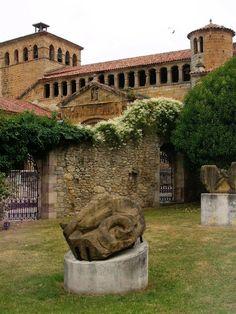 Museo de Jesús Otero, Colegiata de Santa Juliana, Santillana del Mar, Cantabria, España