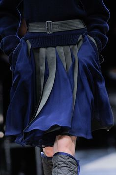I'd love to know how this look from Sacai can be achieved...