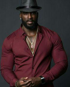 Black is beautiful Fine Black Men, Gorgeous Black Men, Hot Black Guys, Handsome Black Men, Fine Men, Beautiful Men, Beautiful People, Dark Man, Chocolate Men