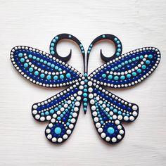 7 отметок «Нравится», 2 комментариев — Daria (@daria_k506) в Instagram: «Еще одна бабочка #dariadots #pointtopoint #dotsart #бабочки #магнит #подарок #точечнаяроспись…»
