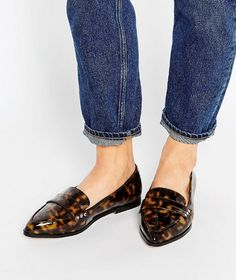 Tortoisshell loafers