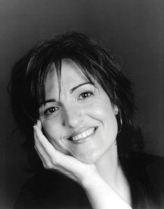 Elvira Lindo http://www.quelibroleo.com/autores/lindo-elvira