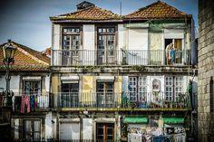 Tres días en Portugal. Porto, Mujer tendiendo.